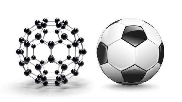 Молекулярная структура фуллерена и футбольный мяч