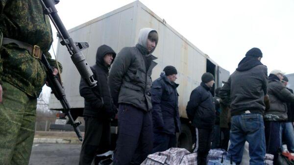 Во время обмена пленными между самопровозглашенными Донецкой и Луганской народными республиками и Киевом