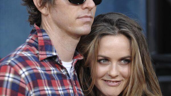 Актриса Алисия Сильверстоун с супругом Кристофером Джареки. 31 июля 2008