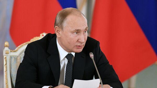 Владимир Путин на заседании Совета при президенте РФ по культуре и искусству. 15 декабря 2018
