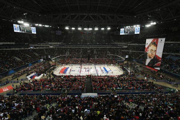 Старт матча между сборными России и Финляндии
