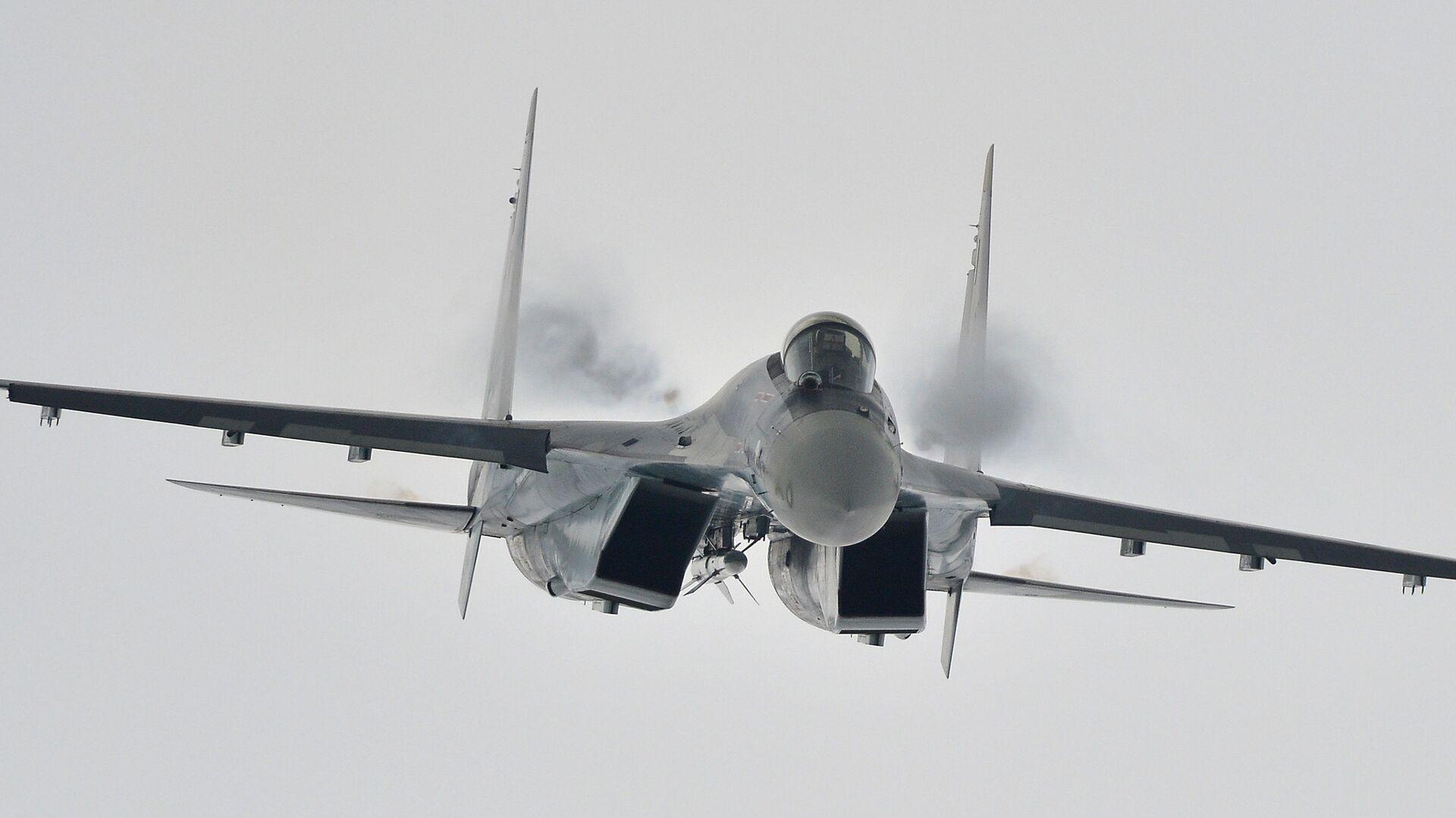 На авиапараде покажут новый элемент с участием Су-35 и Ту-160