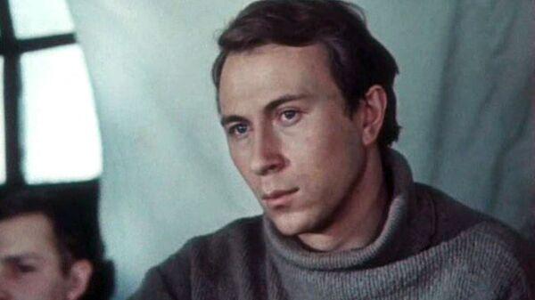 Кадр из фильма Голубка