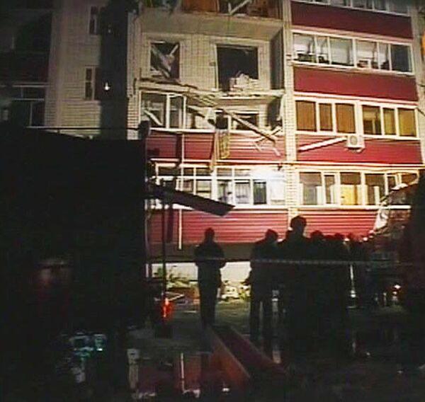 Жильцы пятиэтажки в Батайске провели ночь на улице