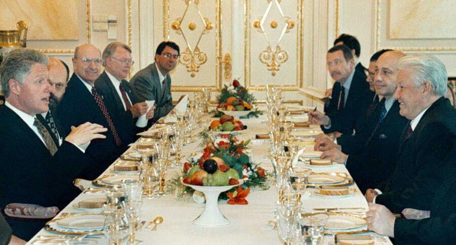 Президент США Билл Клинтон и президент России Борис Ельцин в Кремле. 1996 год