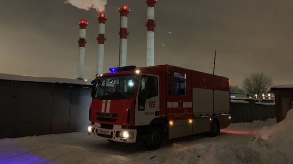 Ликвидация пожара в гаражах в Отрадном