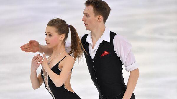 Лина Кудрявцева и Илья Спиридонов