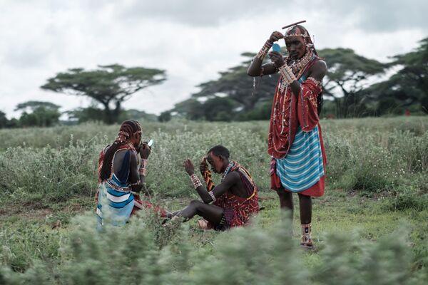 Масаи готовятся к Масайским олимпийским играм в Кении