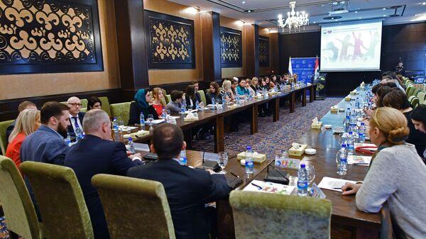 Участники первой молодежной конференции российских соотечественников в Сирии, проводимой Россотрудничеством, в Дамаске