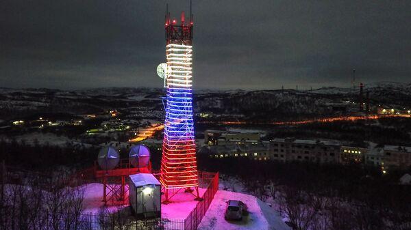 Передающая башня Ура в поселке Видяево. В Мурманской области запущен последний, 5040-й по счету, объект цифрового эфирного вещания в России. 22 декабря 2018