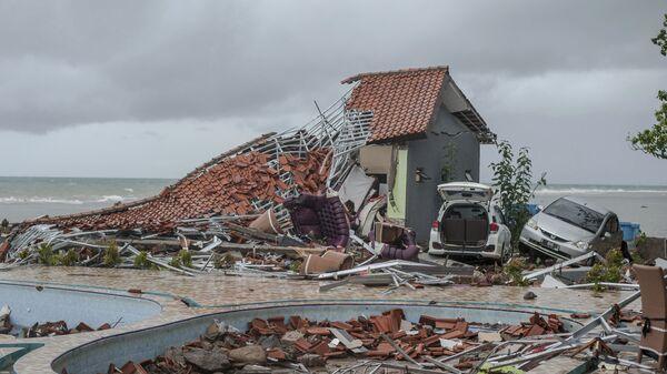 Последствия цунами в Индонезии. 23 декабря 2018