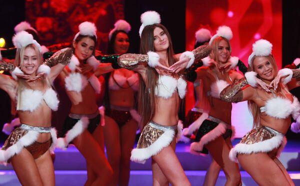 Участницы конкурса красоты Мисс Москва 2018. В центре: Яна Звязко
