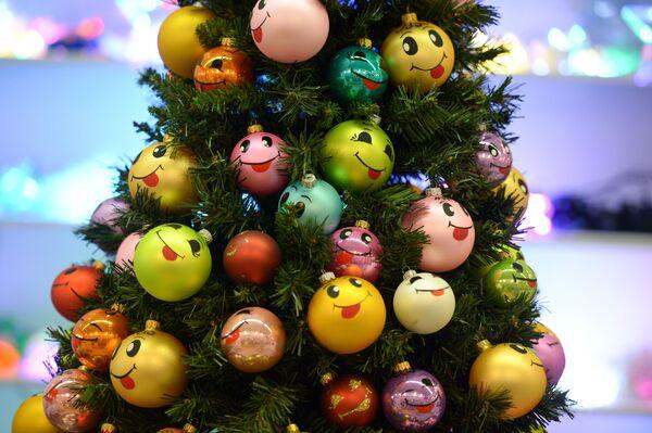 На международной торговой ярмарке новогодней и праздничной индустрии Christmas Time. 100 дней до Нового года в Центральном доме художника в Москве
