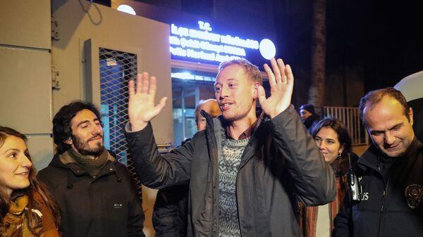 Австрийский журналист Макс Цирнгаст после освобождения из тюрьмы в Анкаре, Турция