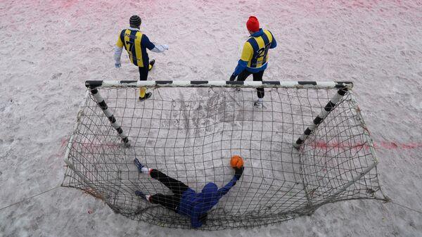 Мини-футбол на снегу в Новосибирске