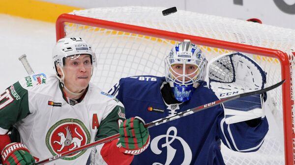 Алексей Потапов (слева)