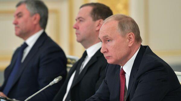 Руководитель Татарстана прослушал, что ему сообщил Владимир Путин