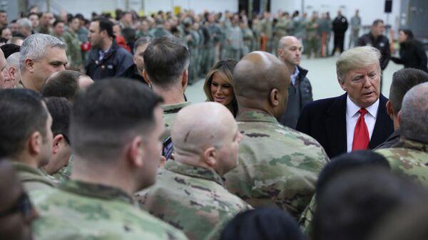 Президент США Дональд Трамп в ходе необъявленного визита в Ирак. 26 декабря 2018
