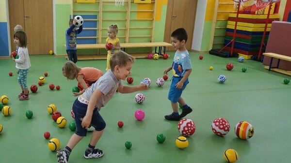 Дети в одном из детских садов