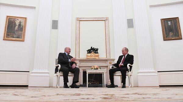 Президент РФ Владимир Путин и президент Белоруссии Александр Лукашенко во время встречи. 29 декабря 2018
