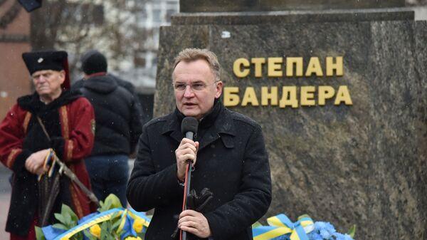 Мэр Львова Андрей Садовый выступает на митинге, приуроченном к 110-й годовщине со дня рождения Степана Бандеры, во Львове.  1 января 2019