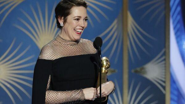 Оливия Колман получила Золотой глобус за лучшую женскую роль в комедии/мюзикле за роль королевы Елизаветы Второй в фильме Фаворитка