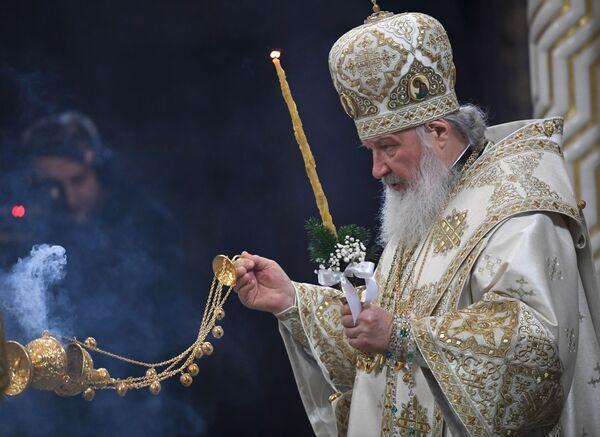Патриарх Московский и всея Руси Кирилл во время Рождественского богослужения в храме Христа Спасителя в Москве. 6 января 2019