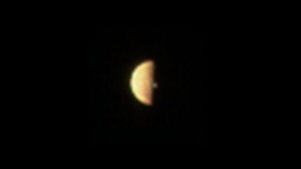 ВСети появилось фото извержения вулкана наспутнике Юпитера