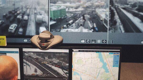 ЦОДД в режиме реального времени следит за дорожной ситуацией в районе Тушинского тоннеля
