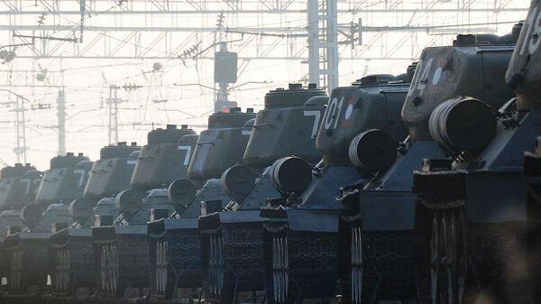 Эшелон с танками Т-34 в Чите