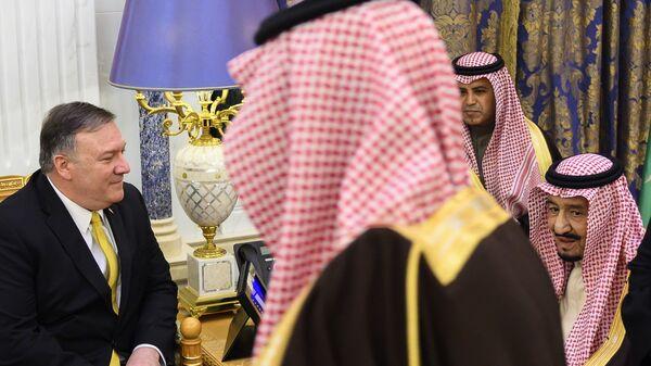 Госсекретарь США Майк Помпео на встрече с королем Король Саудовской Аравии Салманом ибн Абдул-Азиз Аль Саудом в Эр-Рияде. 14 января 2019