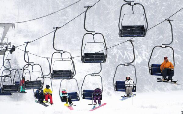 Подъемник горнолыжного курорта Сорочаны в Московской области