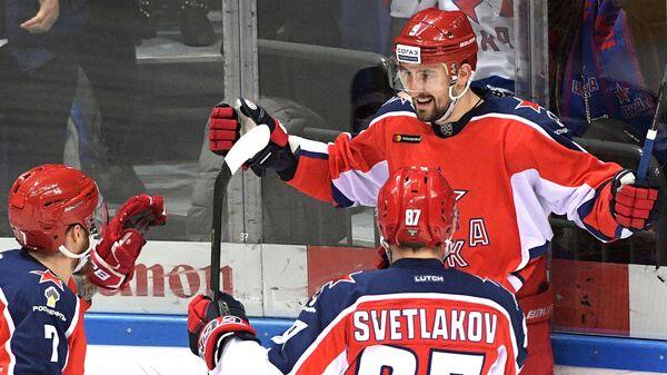 Игроки ПХК ЦСКА радуются заброшенной шайбе