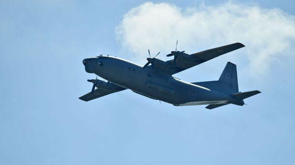 Военно-транспортный самолет Ан-12. Архивное фото