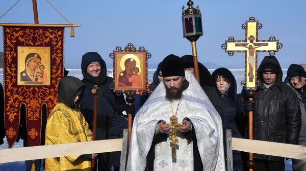 Освящение крещенской купели в бухте Новик острова Русский во Владивостоке