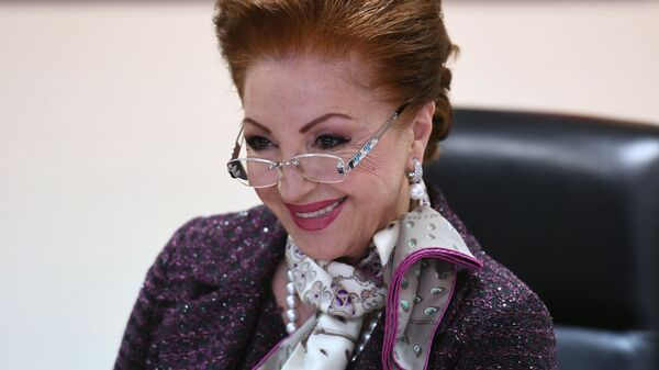 Главный акушер-гинеколог Российской Федерации Лейла Адамян в своем рабочем кабинете