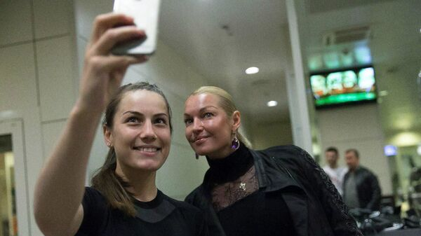 Фируза Шарипова (слева) и Анастасия Волочкова