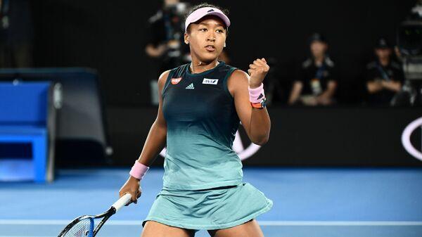Наоми Осака