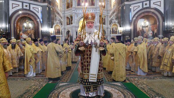 Патриарх Московский и всея Руси Кирилл во время божественной литургии в Храме Христа Спасителя