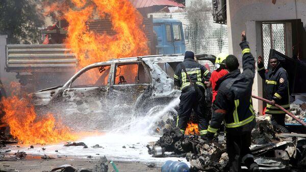 Место взрыва автомобиля в Могадишо. 29 января 2019