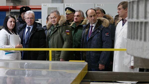 Министр обороны РФ Сергей Шойгу во время посещения Красноярского машиностроительного завода. 29 января 2019