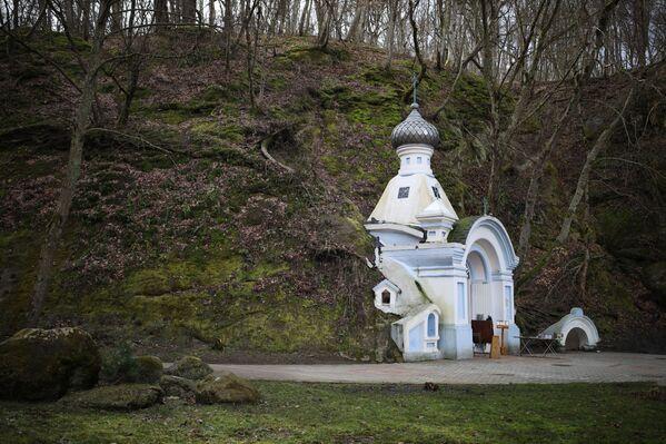 Иверская часовня и источник святителя Пантелеймона в Горячем Ключе
