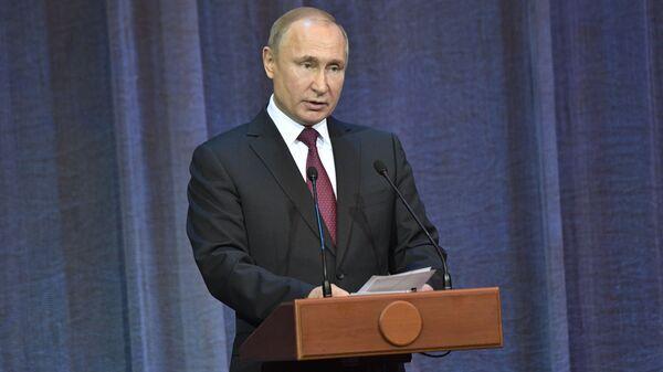 Президент РФ Владимир Путин принял участие в мероприятиях по случаю 10-летия Поместного собора РПЦ и патриаршей интронизации. 31 января 2019