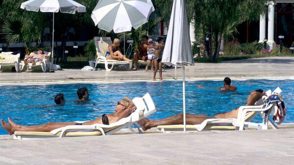 Русские туристы на отдыхе в Памуккале
