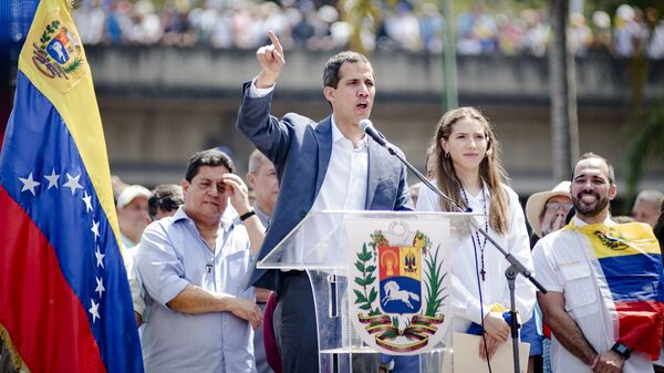 Спикер парламента Венесуэлы и лидер оппозиции Хуан Гуаидо, провозгласивший себя временным президентом страны