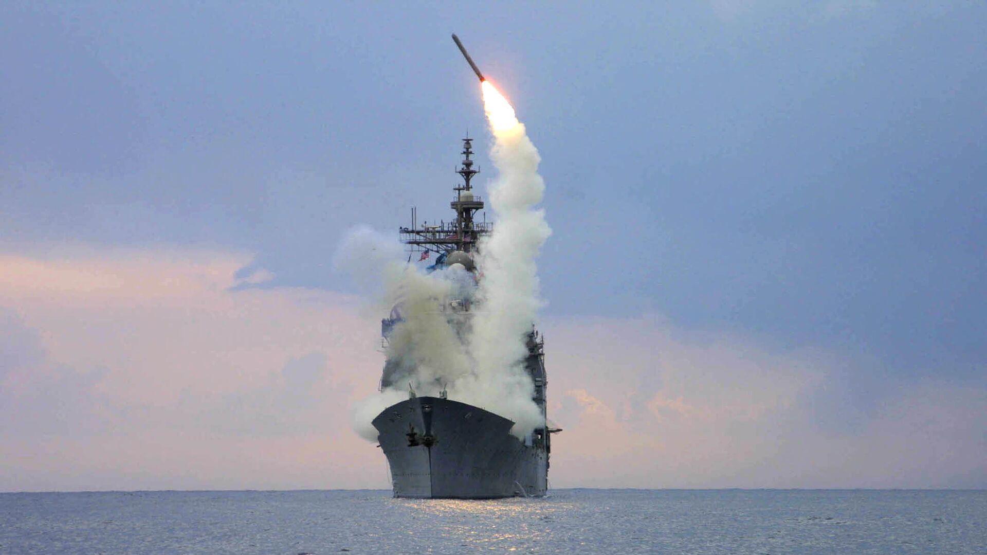 Запуск крылатой ракеты Томагавк с американского военного корабля USS Cape St. George - РИА Новости, 1920, 31.10.2019
