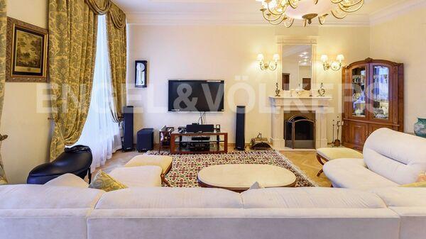 Квартира в Санкт-Петербурге, где прошли обыски по делу сенатора Арашукова