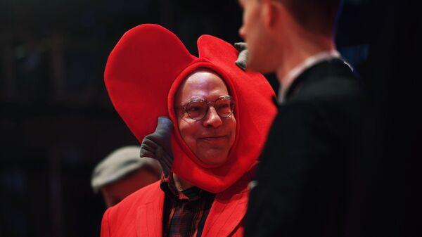Немецкий кинорежиссер Роза фон Праунхайм на красной дорожке церемонии открытия 69-го Берлинского международного кинофестиваля Берлинале - 2019