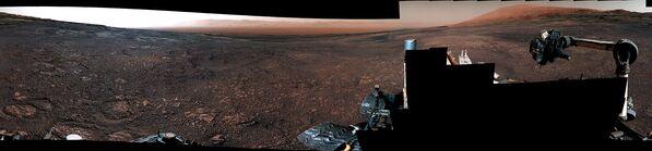 Панорама, сделанная марсоходом Curiosity на хребте Rock Hall
