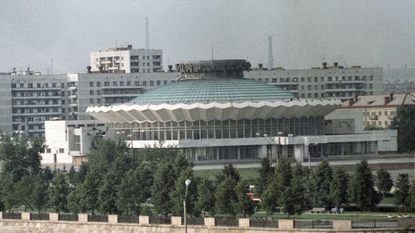 Здание цирка в Челябинске